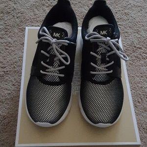 Michael Kors Amanda Mesh sneakers NWT